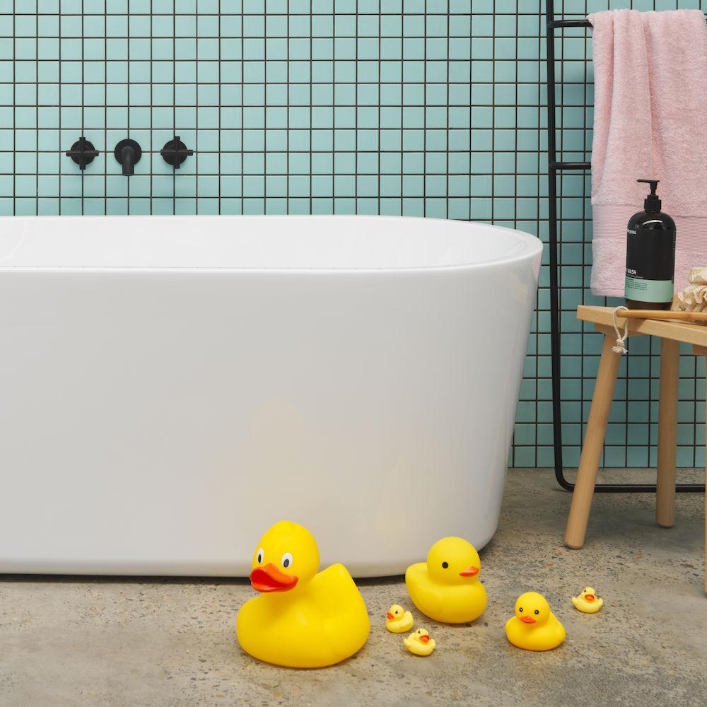 Round Freestanding Bath 1400mm No Overflow Clark